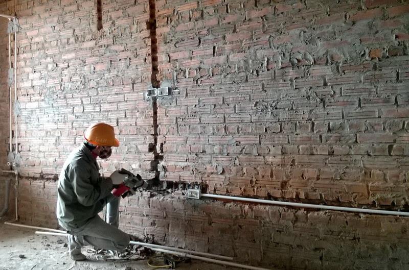 Ống điện âm tường