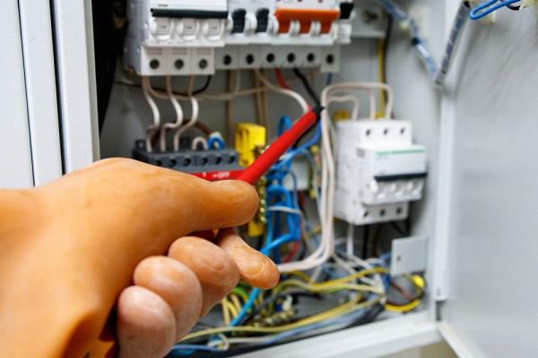 Kiểm tra hệ thống đường điện
